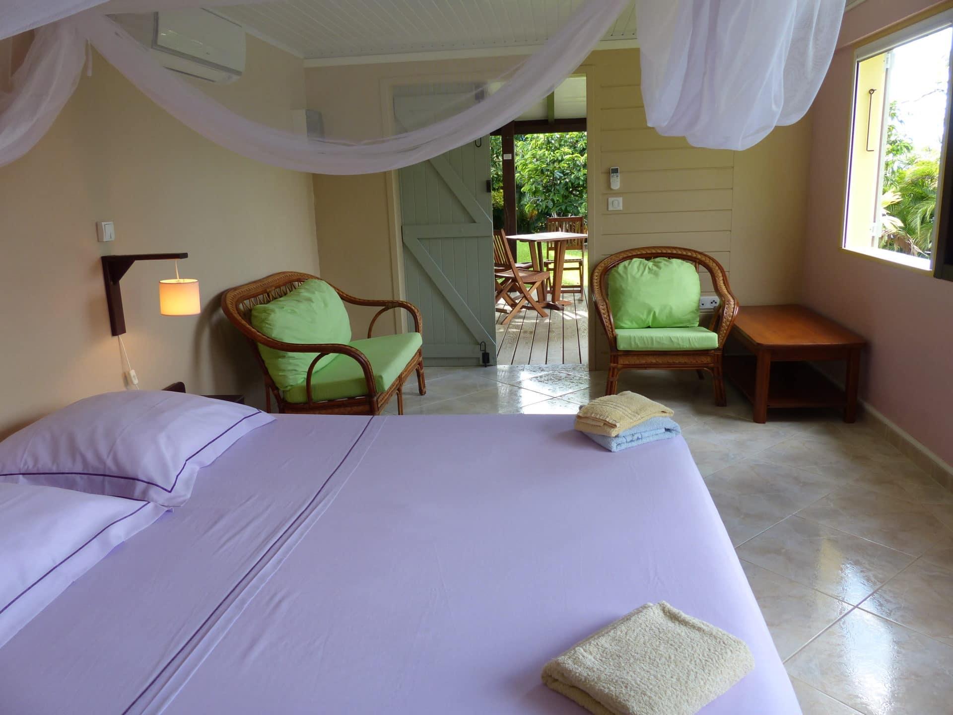 chambre villa piscine vacances guadeloupe